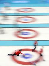Danmarks curlingkvinder kæmper for medaljeplads